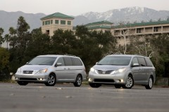 2011_toyota_sienna_group_ct_1_717